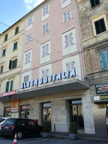 facciata dell'Albergo Italia